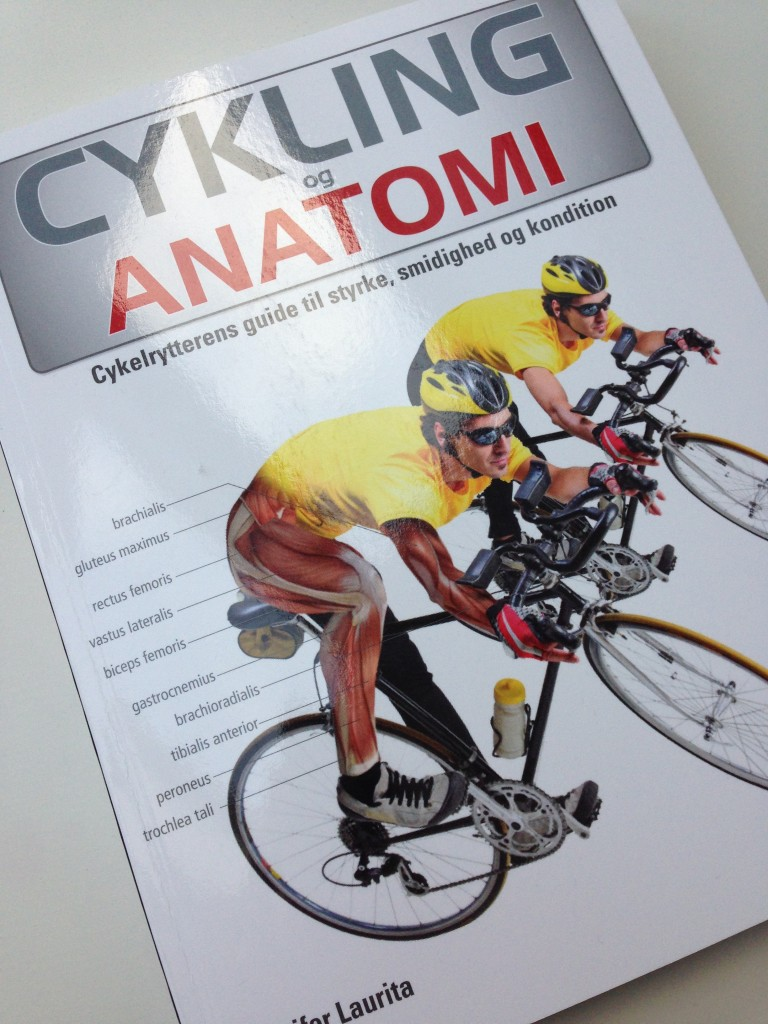 En bog fyldt med træningsøvelser