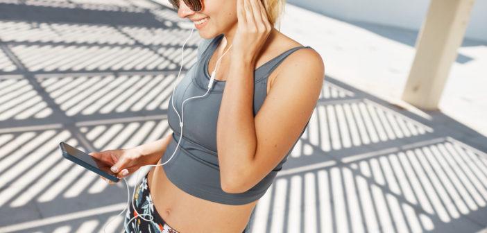 Et trådløst headset kan gøre det sjovere at dyrke motion